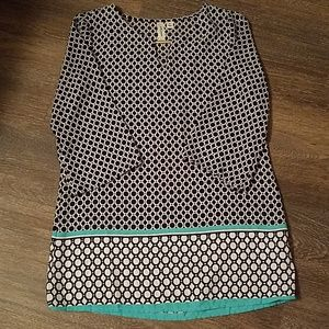 Adorable tunic length blouse. Size S.